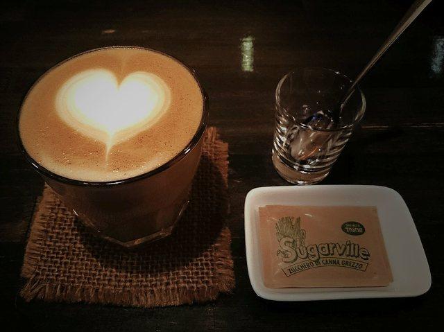 福島 エキゾチック アニマル カフェ